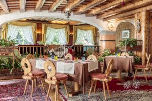 Ampia sala da pranzo anche per matrimoni e cerimonie